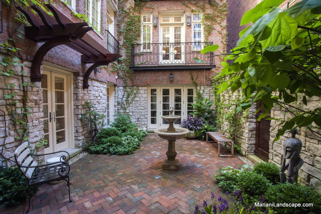 Inspiring french courtyard photo architecture plans 83880 for Courtyard landscaping